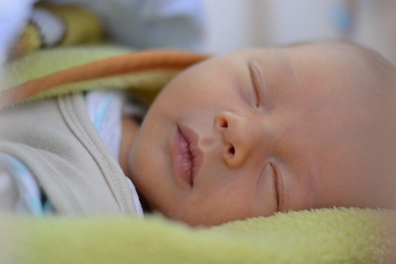 Prvé dni bábätka doma